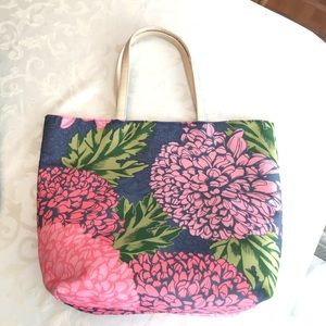 Handbags - BEAUTIFUL lined soft large flora tote